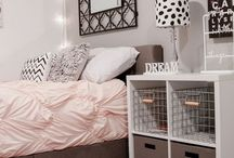 Teenager girls bedroom