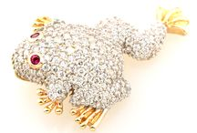 Gold Charms / Express your love with our unique selection of charms