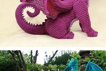 dinosauri uncinetto