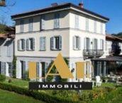 Недвижимость на озере Комо / Продажа элитной недвижимости на озере Комо в Италии. Купить квартиру, дом или виллу на озере Комо с агентством LAR Immobili.