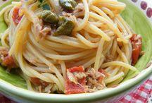 Spaghetti tonno e pomodori decchi