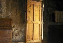 dvere, vrata, pruchody atd
