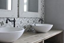 Salles de bains carrelées