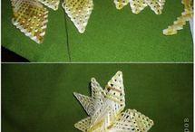 Kvet -pletený z papiera