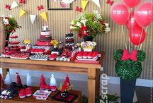 """Festa Infantil: Minnie / Linda decoração do tema Minnie da Decoradora Thais Zeghaib com uso de balões duplos vermelhos da Box Balão. Thais faz uma decoração refinada, de muito bom gosto com uso de scrap e balões.  Créditos: Thais Zeghaib @tzscrap Consulte-nos: www.boxbalao.com  E-mail: atendimento@boxbalao.com Telefones: (11) 99605-8022 - 98913-5674 #balaoduplo #balãoduplo #balaoumdentrodooutro #balãoumdentrodooutro #bexigaumadentrodaoutra #boxbalao #boxbalão #balaominnie #balaodaminnie #minie """"balaominie #balaodaminie"""