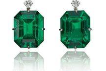 Earring emerald