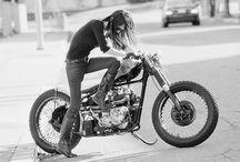 dziewczyny na motorach