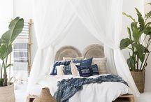 Ma chambre cosy parfaite : folk bohème / Quand déco.fr et Marissa de Rue Rodier rêvent à leur  chambre cosy parfaite ? Elle est folk bohème ! Des matières moelleuses, des teintes naturelles tellement apaisantes, des plantes vertes...