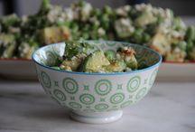 Salat-Rezepte / Salat-Rezepte für jeden Geschmack: ob erfrischend, knackig, fruchtig, exotisch, herzhaft oder würzigen - hier ist für jeden Salat-Liebhaber etwas dabei! Rezept gibt's in der mealy-App!