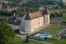 Château de Chailly / Au cœur de la Bourgogne, venez découvrir ce château du XVI° siècle restauré avec art pour devenir l'un des plus prestigieux château-hôtel de Bourgogne.