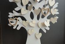 De decoratieve houten levensboom! / De boom van hout is voor diverse doeleinden te gebruiken, bijvoorbeeld in de baby- en kinderkamer, als seizoenenboom met versiering erin aangepast aan de seizoenen, als wensboom op een bruiloft, met alle gelukwensen erin gehangen op mooie kaartjes, als paas- en kerstboom etc.