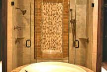 Frameless Showers / Frameless Showers add an elegant style to any home.  Choose your design and we will bring it to life.