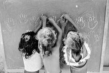 Edouard Boubat / Édouard Boubat , né le 13 septembre 1923 dans le quartier de Montmartre à Paris et mort le 30 juin 1999 à Montrouge dans les Hauts-de-Seine, était un photographe français et un chroniqueur photo-reporter de l'après-guerre qui fut, avec Willy Ronis et Robert Doisneau, l'un des principaux représentants de la photographie humaniste française.
