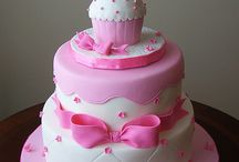 Amazing Cakes and cupcakes / by Chelsea Knoch