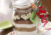 Homemade gifts / Sand art brownies in mason jar