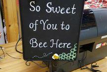 We ♡ honeybees!