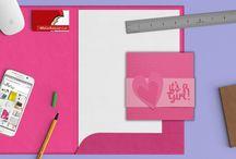 MelaAnnurca / Benvenuti nel nostro negozio MelaAnnurca!  Sono Roberta, Architetto e Graphic Designer con la passione per il disegno, la fotografia e l'interior design. Amo lavorare con la carta e sono specializzata nella creazione di inviti e biglietti d'auguri per tutte le occasioni. In questo shop troverai partecipazioni già pronte, etichette, biglietti e tante cose allegre e colorate per le tue feste. Benvenuto!!!