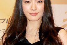 仲間由紀恵(Yukie Nakama ー famous and popular for her roles in Japanese TV series as TRICK. GOKUSEN, HANAKO TO ANNE etc.