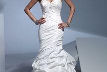 Wedding Dresses / by Rachel Seifner