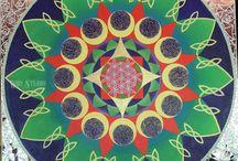 Mandalas / Mandalas drawn and painted by Karyn Wiid