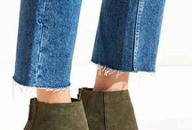 Urban Outfitters / Suede boots