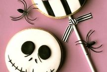 Halloween cup cakes and cookies