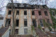 Abandoned houses - empty yards