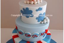 Cakes & Toppers / by Ivette Barreto