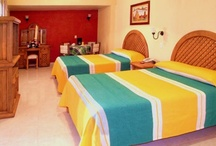 Gran Hotel en Pátzcuaro / Somos su anfritrión en Pátzcuaro, reserve al 01 (434) 342 0443, estamos ubicado en Portal Régules 6, en el Centro Histórico, 61600, Pátzcuaro Michoacán, contamos con 25 comodas y confortables habitaciones.