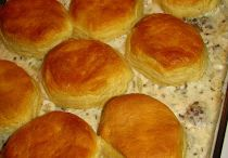 Biscuit & gravy casserole