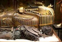 Amazing artefacts, Jewellery and also kopies from history