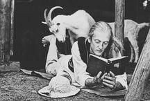 """Mole książkowe. / """"Kto czyta książki, żyje podwójnie"""""""