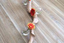 Creatief met bloemen / Tak met glaasjes en gerbera