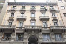 VENDITA - Appartamento su tre livelli / Appartamento in Porta Venezia, Milano. Proponiamo in vendita, con incarico in esclusiva, un elegante loft, categoria A2, situato nel corpo interno di un prestigioso stabile di Viale Piave. Lo spazio di estende su tre piani ed è finemente realizzato in ogni sua parte.
