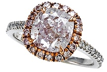 Halos / The perfect halo has a gorgeous center stone surrounded by smaller diamonds giving the center stone a halo effect. #diamond #bridal #engagement