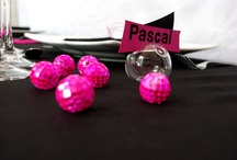 Idea Table Decoration with mini disco ball - idée de décoration de table avec des mini boules à facettes / idées de décoration de table avec les mini boules à facettes Cbodeco ! la plus gamme du web de mini boules disco ! table decorating ideas with mini disco balls Cbodeco! most of the range web mini disco balls! #disco #table #decoration #party #wedding #mariage
