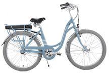 Vélo électrique Arcade E-Colors : la couleur fait du bien ! / La marque française Arcade se différencie avec des vélos électriques de ville colorés : Mandarine, Rouge, Noirmoutier. Çà fait du bien ! Choix de batterie de 9, 11 ou 14 Ah et dérailleur Nexus 3 vitesses pour ne jamais dérailler !