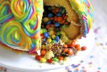 cakes.... and omnomnom