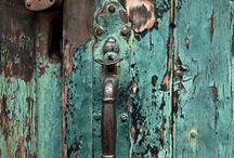 Ahşap eski kapı