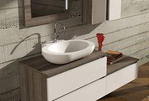 Urban, mobili da bagno moderni componibili / È un programma di elementi di grande praticità e semplicità geometrica, si caratterizza quindi per le linee regolari e ordinate. Lo stile è raffinato e volutamente essenziale, proprio perché diretto alle esigenze di arredamento più contemporáneo