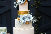 Cakes with Silver,Gold and Glitter 3 / Various stunning cakes decorated with glitter, silver or gold decor / by Astrid Deetlefs