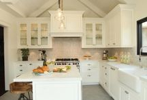 Kitchens / by Andrea Sweet