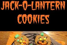 Best Holiday Posts / All of cutest and tastiest holiday food and crafts.  We keep them coming all year long!  Halloween, Thanksgiving, Christmas, New Years, Valentines, St. Patricks Day, Easter, 4th of July and everything in between!