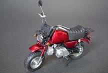 バイク、車の模型