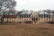 Minkowskie - Pałac / Pałac w miejscowości Minkowskie zbudowany w latach 1765-1784 dla generała Friedricha Wilhelma von Seydlitza. Córki generała sprzedały majątek baronowi von Hennebergowi. Obiekt zniszczony przez wojska francuskie. Potem odbudowany. Córka Henneberga, Karolina Alojza von Donat, poślubiła Moryca Wolfganga von Prittwitza. Jej syn sprzedał dobra w 1851 roku Karolowi Aleksandrowi von Wartenslebenowi. Obecnie własność prywatna.