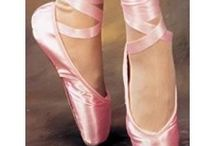 Badly Fitted Pointe Shoes / This is the collection of our customers' photos and pics found everywhere on the web with my IMHO comments of what i think is going wrong and possible solutions. Really hope it can help someone.