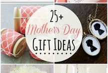 Homemade GIfts For Her / Great gifts from facial scrubs to baking, gardening and printable labels for your own unique gifts for the woman in your life