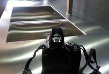"""Backstage del book fotografico per campagna pubblicitaria / Guida Creativa si mette a nudo: backstage del book fotografico per campagna pubblicitaria per """"Nuovo Spazio Arredamenti""""."""
