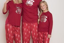 Holiday Card Ideas / Matching pajamas for your family's holiday card!