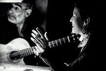 Poderoso Tango / Dúo formado por la cantante Sandra Rehder y el guitarrista Gustavo Battaglia. Músicos argentinos radicados en Barcelona. Su mimetismo interpretativo les ha catapultado como pareja-referencia dentro del género, donde destacan por su intensidad y hondura expositiva.  El dueto Rehder & Battaglia no ha perdido la frescura de la improvisación con los años y sigue conservando –desde el oficio y la experiencia-  el profundo  lenguaje del tango argentino.